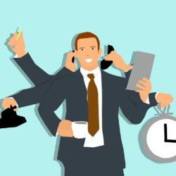 Disegno grafico di un BIM Manager multitasking